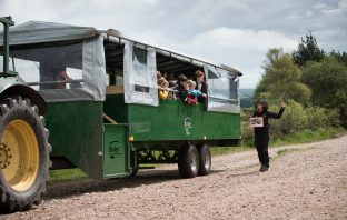 Heath Week: Pupils from Otterton C of E School visit the East Devon Pebblebed Heaths aboard the new Pebblebed People Carrier and learn about animal habitats. © Guy Newman/Rekord Media.