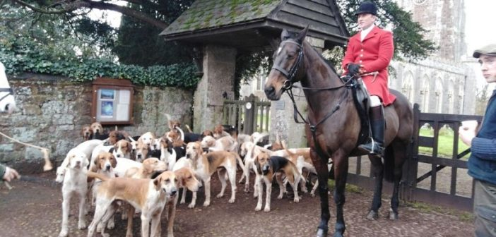 PHOTOS: East Devon Hunt meets at The Red Lion in Broadclyst