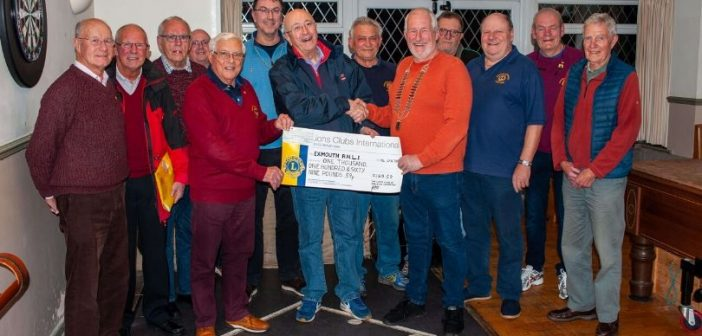 Budleigh Lions festive dip donation will help fund Exmouth RNLI training and equipment