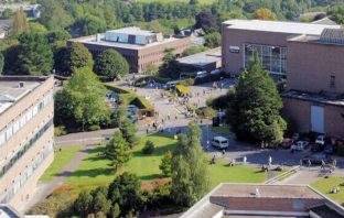 The University Of Exeter Streatham Campus. Image Pierre: Terre/Geograph