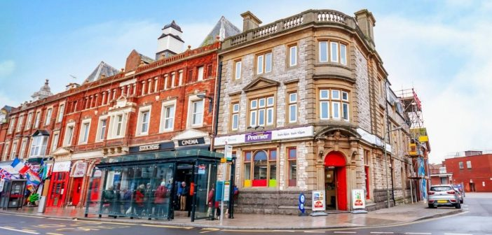 Exmouth town centre shop sells to London buyer with plans to extend opening hours