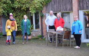 Ottery Rusty Pig (l-r) Robin Rea, Harriet Seed, Ruud Jansen Venneboer, Jacqueline Parke and Toni Hiscocks at Mazzard Farm Cottages. Picture: Sue Cade