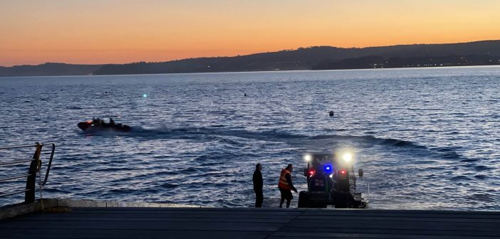 Walk on Exmouth beach ends in RNLI rescue for man cut off by the tide