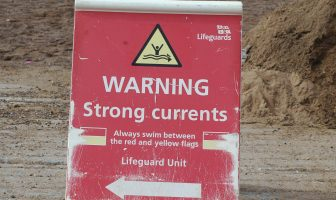The warning sign on Exmouth beach. Image: NCI Exmouth